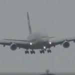 Piloto português faz aterragem com manobra fantástica